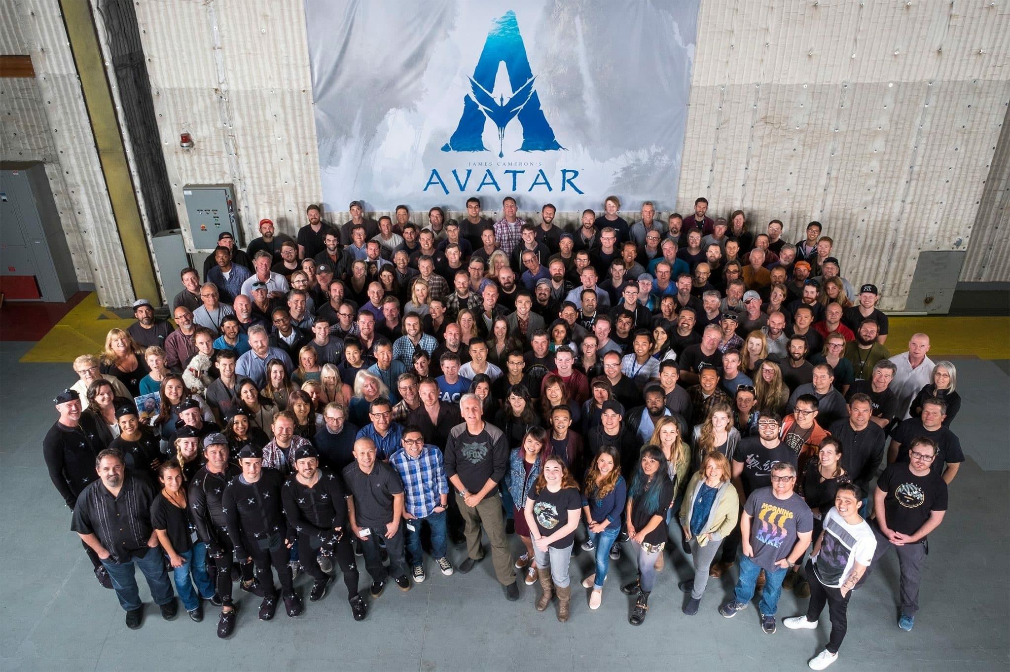 Prvá fotka štábu na pokračovanie Avatara! Niekoľko rokov si od seba neoddýchnu!