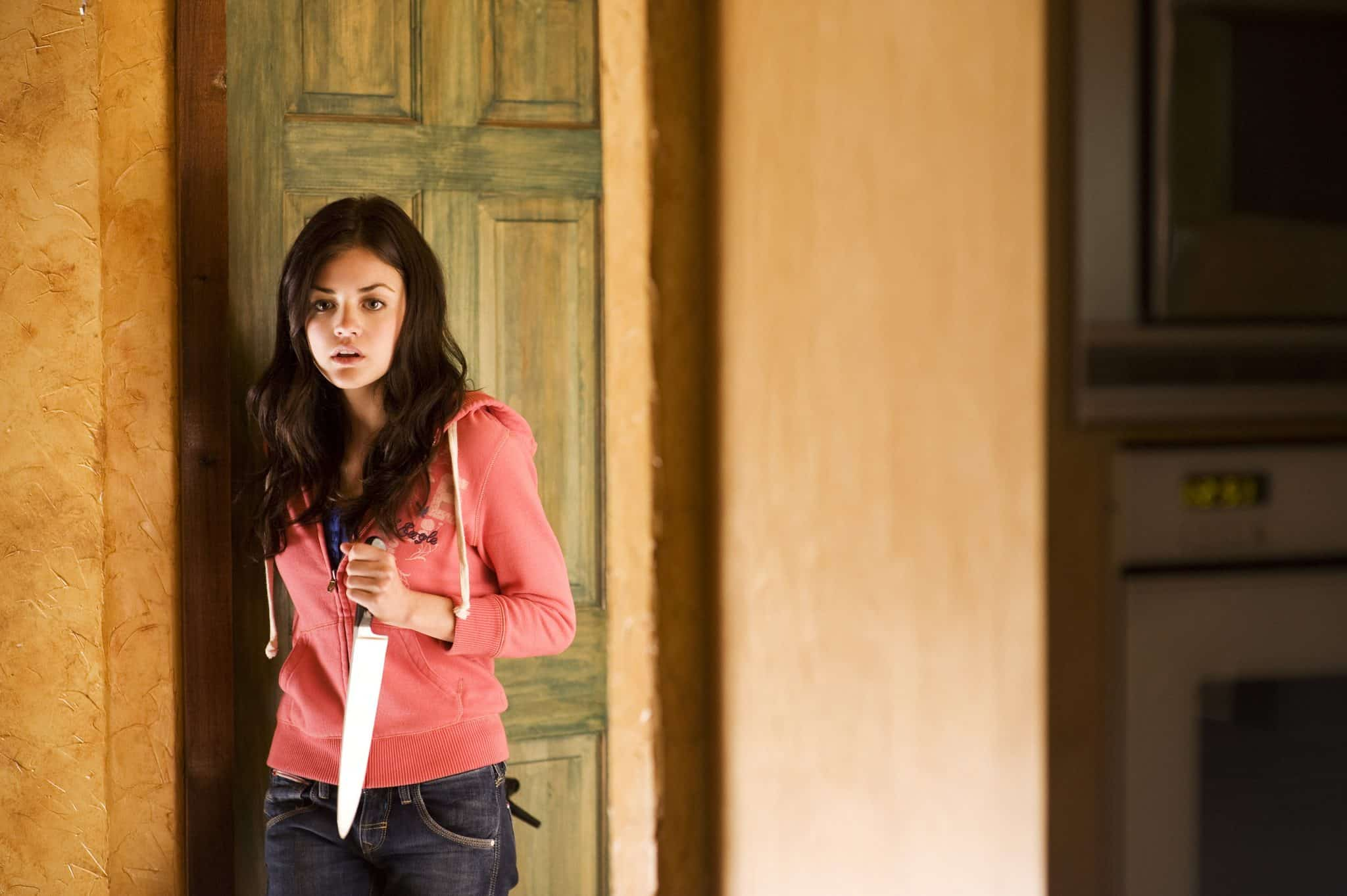 Lucy Hale vo filme Fear Island (2009)