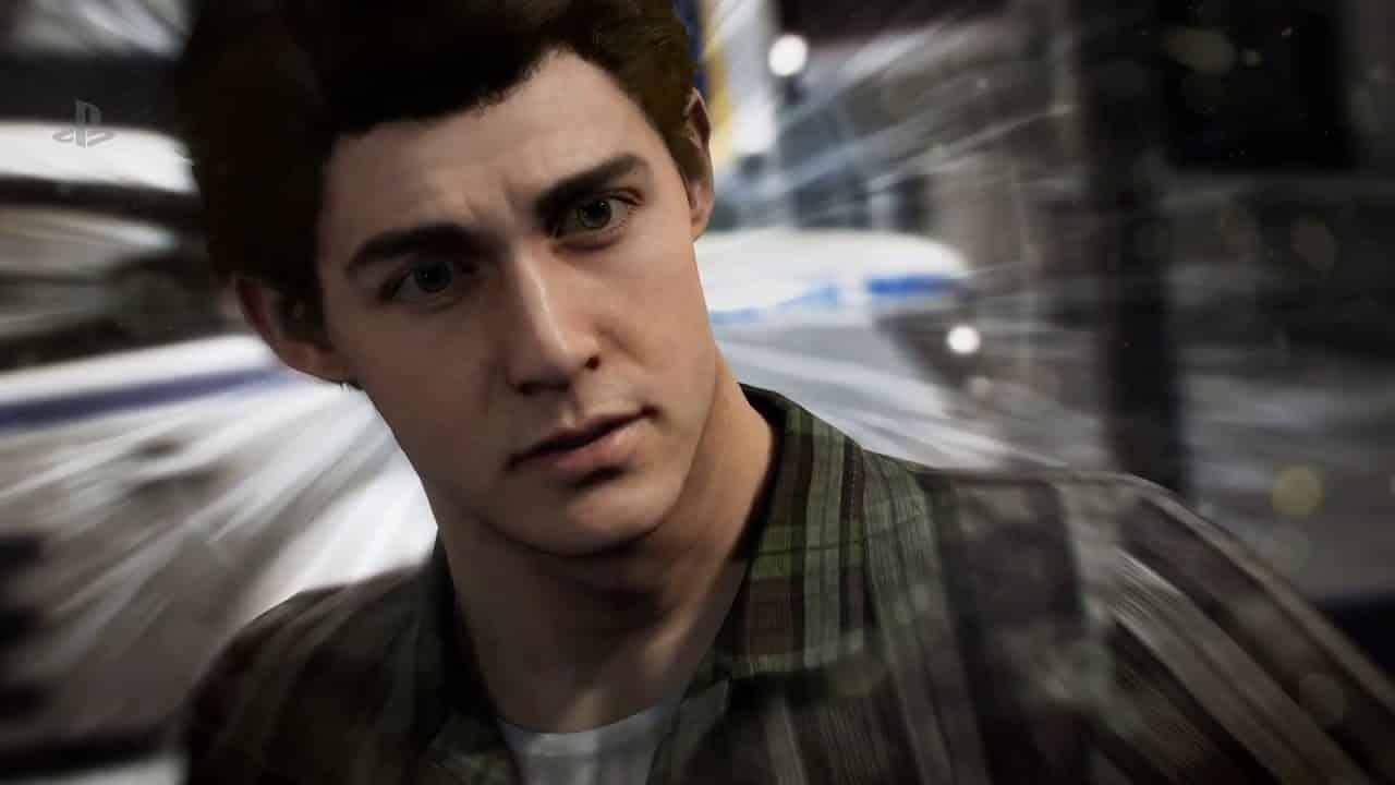 Peter vyzerá ako niečo medzi Andrew Garfieldom a Tomom Hollandom