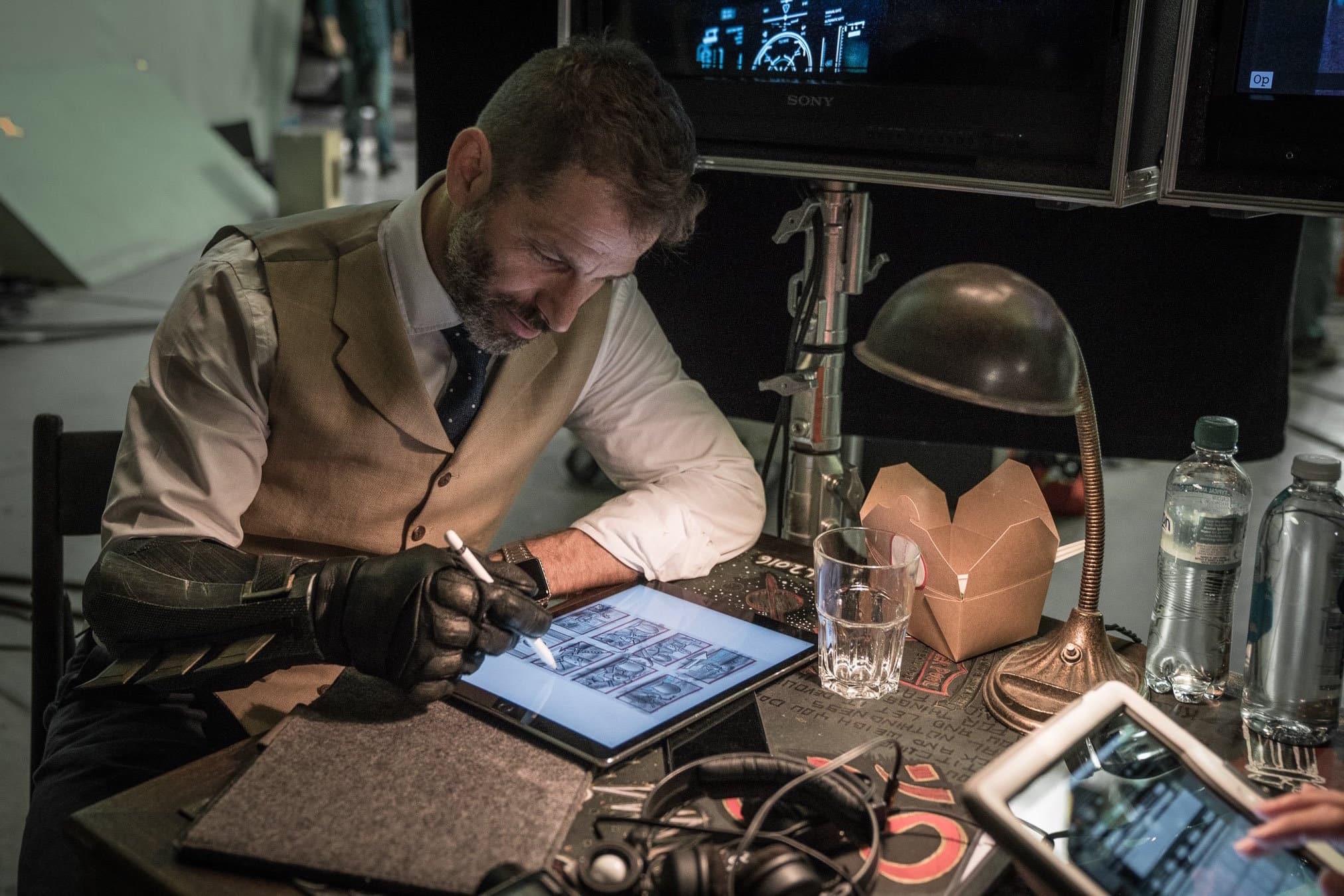 Zack Snyder pri natáčaní filmu Justice League