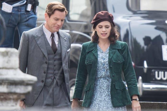Ewan McGregor a Hayley Atwell na natáčaní filmu Christopher Robin