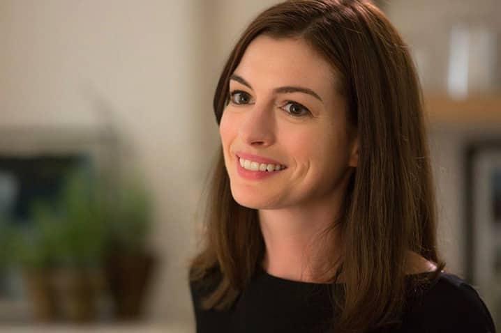 Anne Hathaway si zahrá hranú Barbie