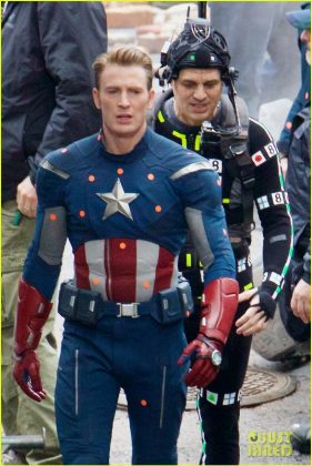 Avengers: Infinity War a Avengers 4