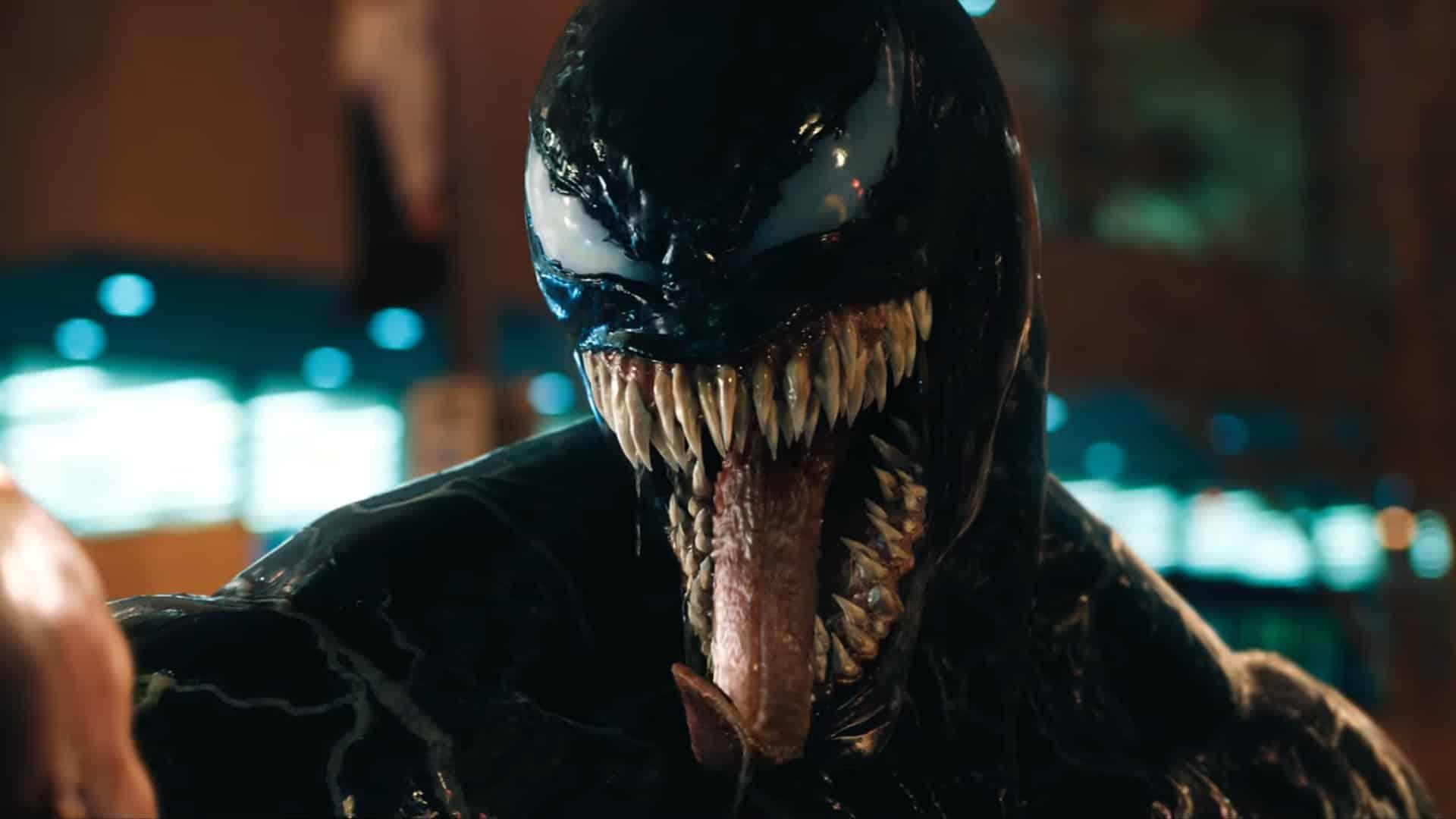 Venom sa konečne odhaľuje v poriadnom traileri!