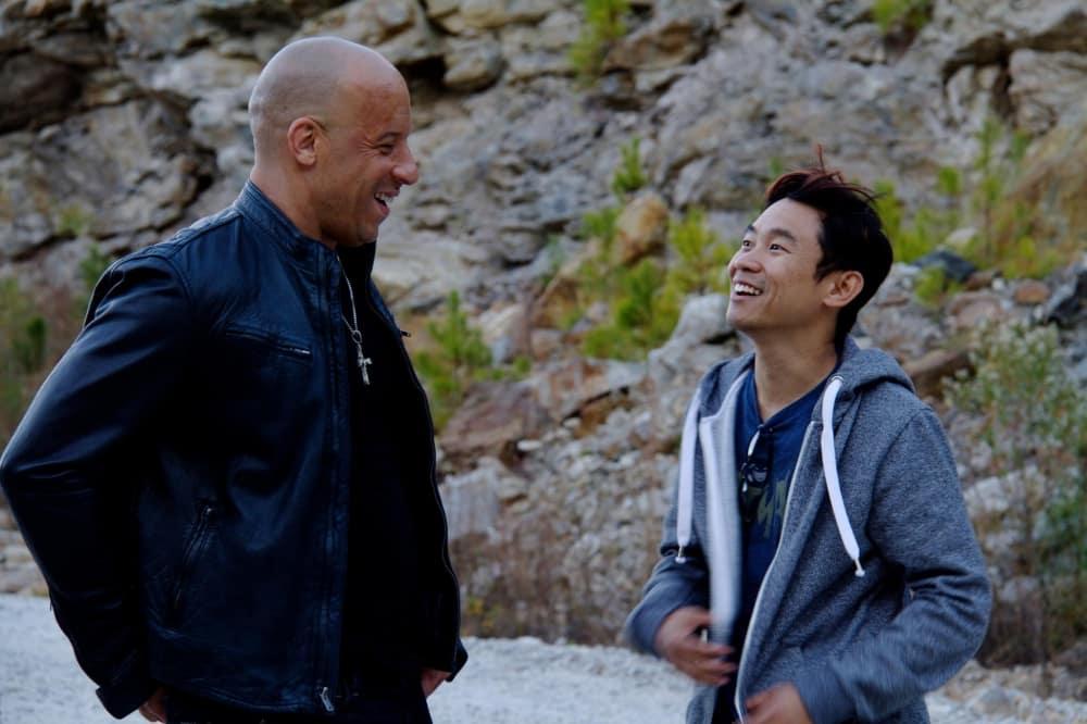 Vin Diesel a James Wan na natáčaní filmu Rýchlo a zbesilo 7