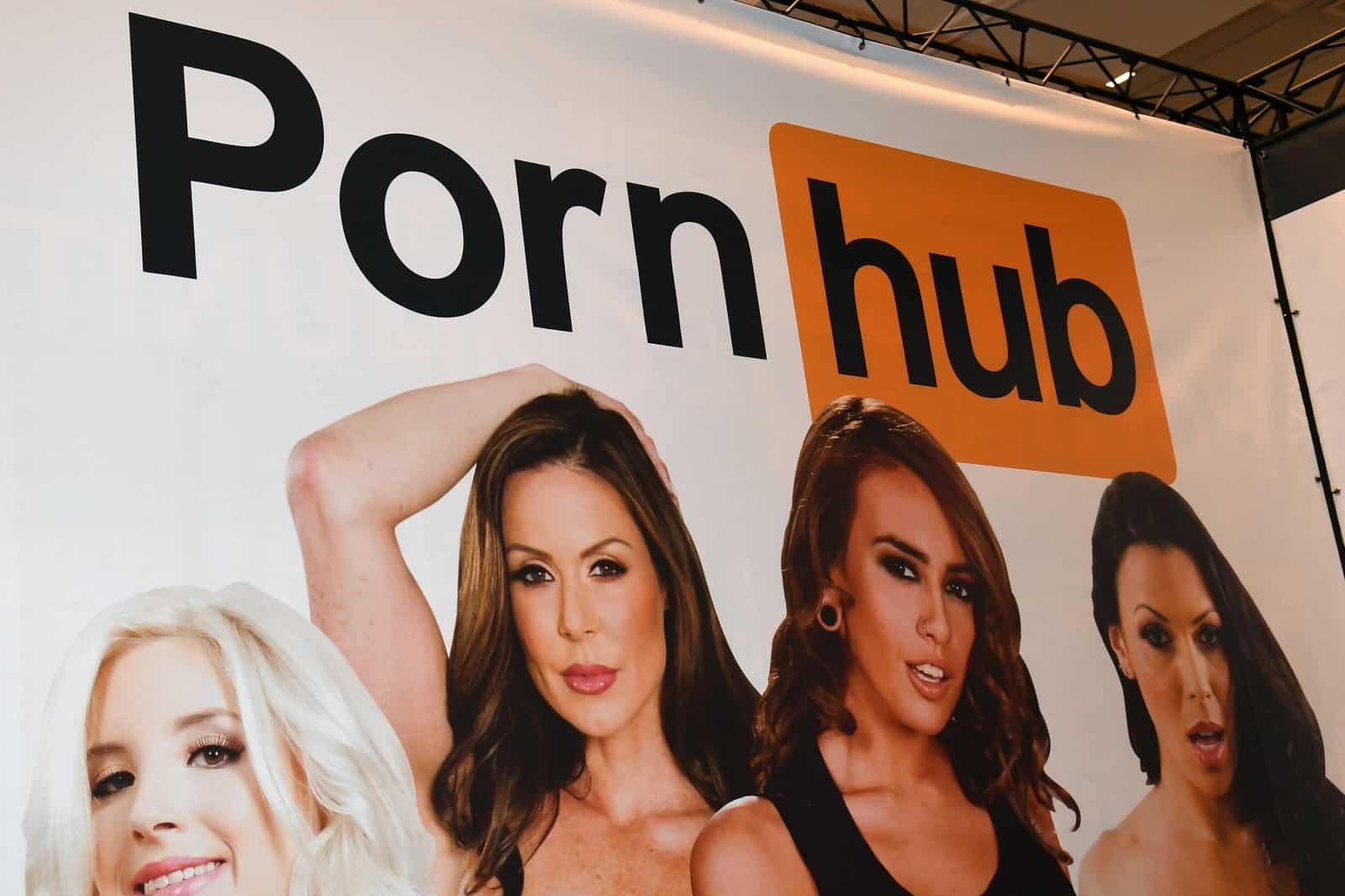 pornhub začal ponúkať titulky