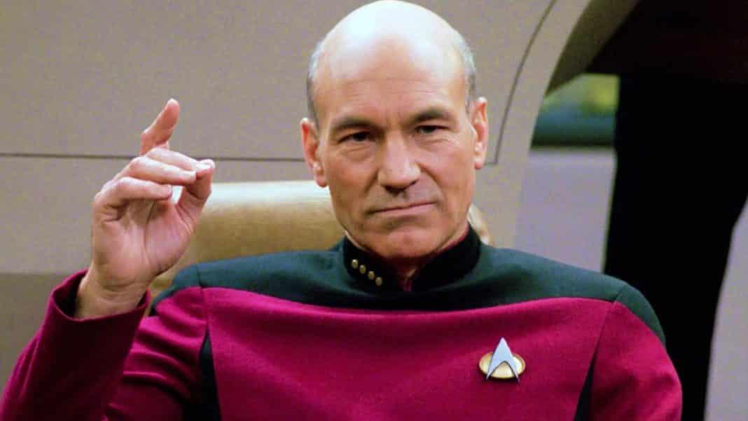Patrick Stewart sa vracia ako kapitán Picard!