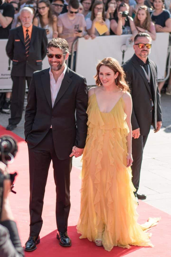 Americká herečka Julianne Moore s manželom Barotm Freundlichom.
