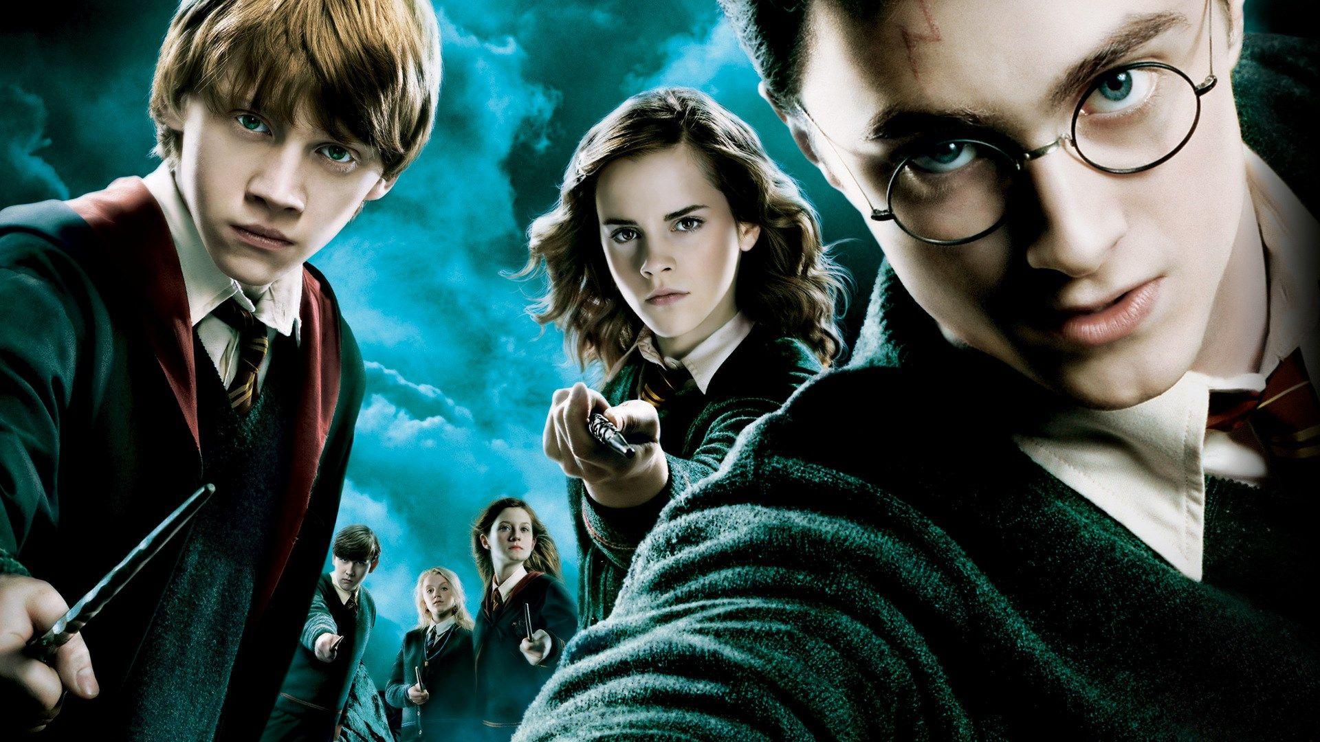Toto sú české preklady Harry Potter filmov. Čo je zlatonka a fanfrpál?