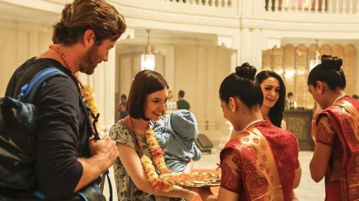 hotel-mumbai-taj-lobby