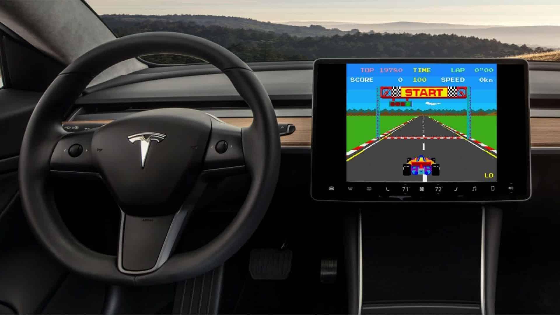 Vo vozidlách Tesla si zahráme hry