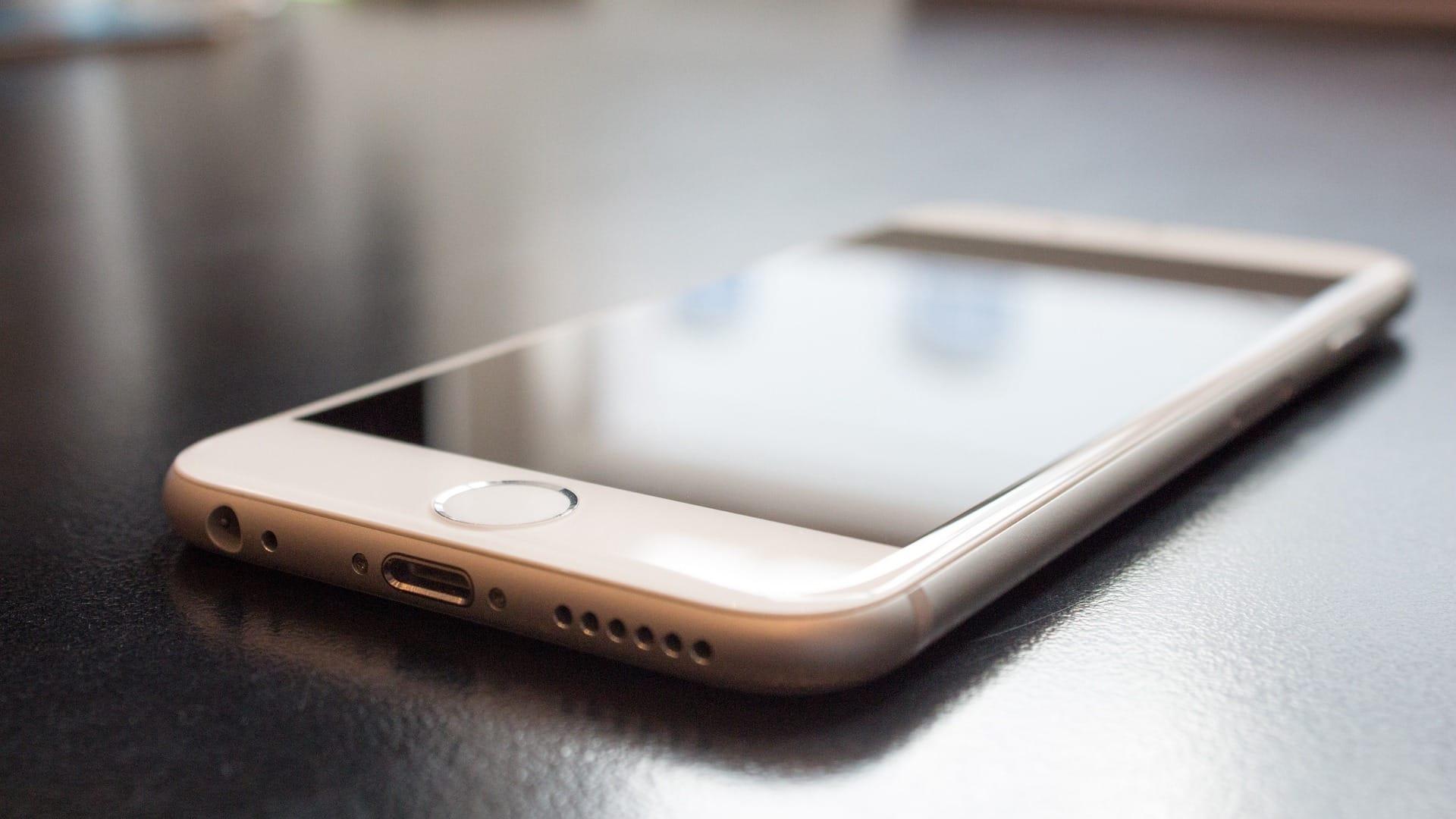 apple nepovoluje zaporakom pouzivat iphone