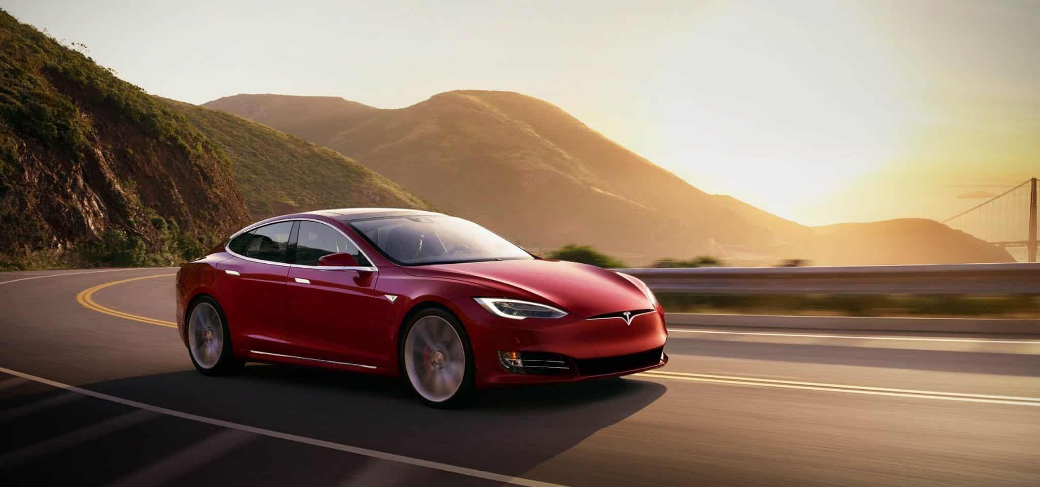 Tesla Model S dojazd