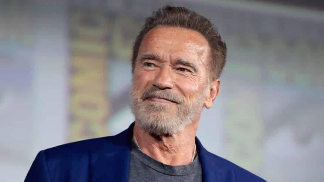 Arnold Schwarzenegger je späť