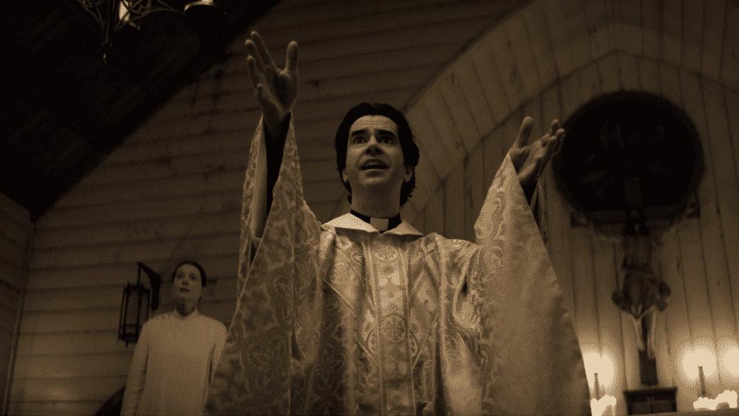 seriál Midnight Mass